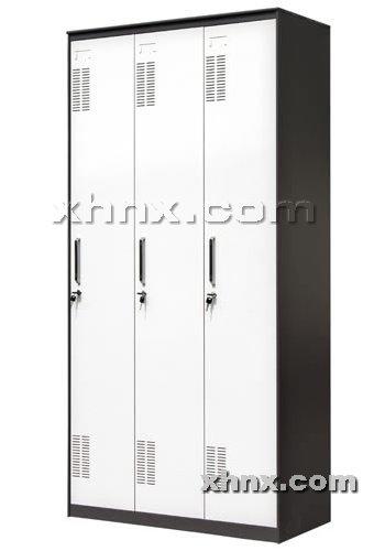 文件柜网提供生产套色三门更衣柜厂家